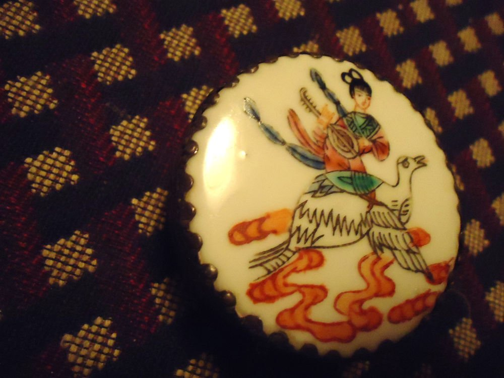 """VINTAGE ASIAN SILVER TRINKET BOX WITH HAND PAINTED PORCELAIN INLAID LID-2 1/2""""D"""