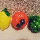 NICE HAND BLOWN MURANO STYLE ART GLASS.. LEMON,TANGERINE & GREEN GRAPES