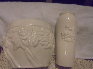 STUNNING WHITE GLAZE CERAMIC FLOWER POT & MATCHING FLOWER VASE....NICE
