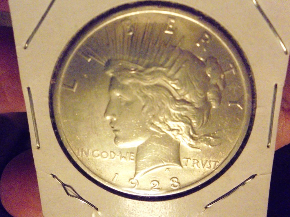 1923 $1 PEACE SILVER DOLLAR COIN.....AS PICTURED....NICE COIN