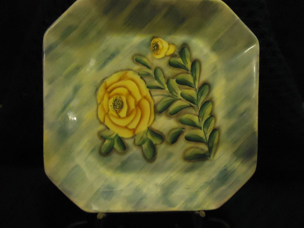 """BEAUTIFUL GOLD/GREEN FLORAL HANDPAINTED OCTAGON PLATE WITH STAND...10"""" ACROSS"""