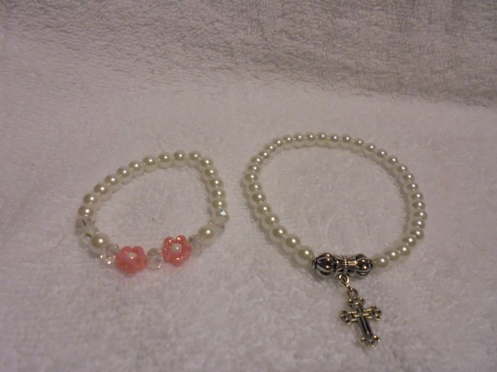 BABY & MOTHER SET OF STRETCH BEADED BRACELETS WITH CROSS CHARMS & PINK FLOWERS