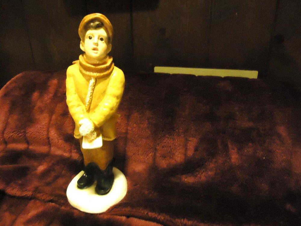 UNIVERSAL STATUARY CORP 1988 BOY CHRISTMAS CAROLER- #889..MADE IN USA...