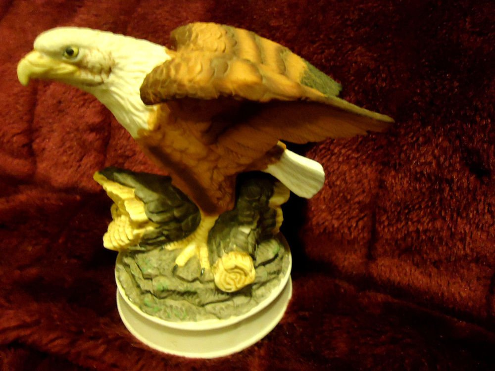 "ROYAL HERITAGE ""BIRDS IN FLIGHT"" AMERICANA COLLECTION ...LIMITED....BALD EAGLE"