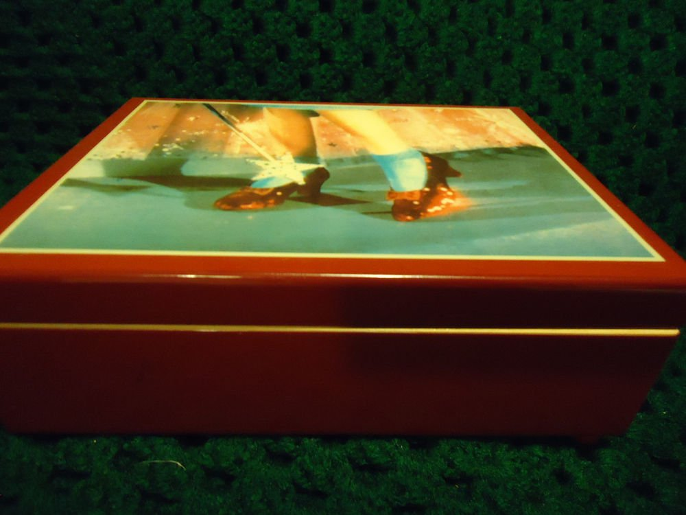 "WIZARD OF OZ.......1988-89 ""THE RED SLIPPERS"" MUSIC/JEWELRY BOX..HAS ONE REPAIR"