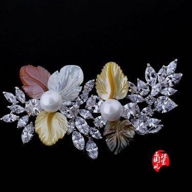 J23  AA+ Mother of Pearl Crystal Leaves Brooch Pin