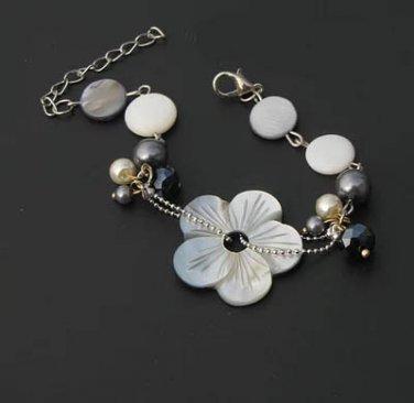 J30  Handcrafted Mother of Pearl Flower Crystal Retro Bracelet
