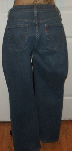 """$40 Jeans Levi Strauss 515 Design denim SIZE 8 cotton pants hip 22"""" across w 17"""