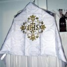 White Humeral Veil Gold Orphrey Gold Silk Embroidery Satin Lined Clasps NEW