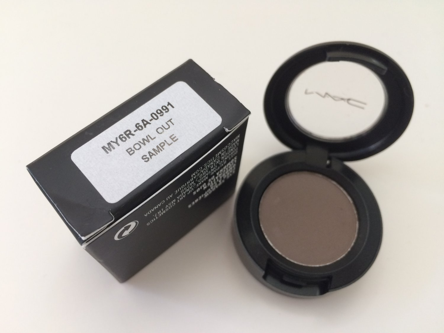 MAC Eye shadow - Bowl Out -  Free USA Shipping
