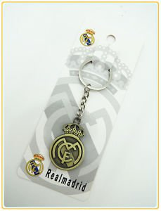 REAL MADRID KEYFOB KEYCHAIN COLLECTIBLE GREAT GIFT NEW