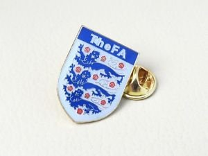 *WORLD CUP *ENGLAND* NATIONAL TEAM FOOTBALL SOCCER PIN BROOCH BADGE SOUVENIR