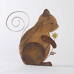 Glitzhome Handcrafted Iron/Wooden Outdoor Decorative Squirrel Decor