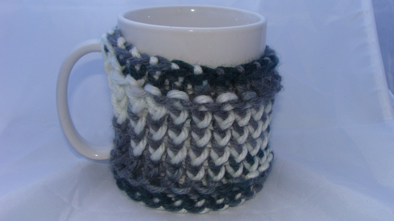 Grey, blue and white mug koozie