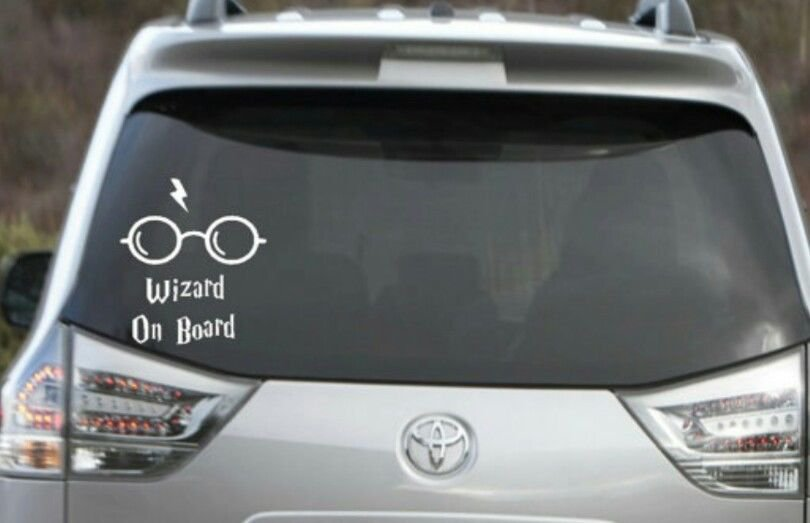 """Harry Potter - Wizard On Board Decal 4"""" tall x 5"""" long"""