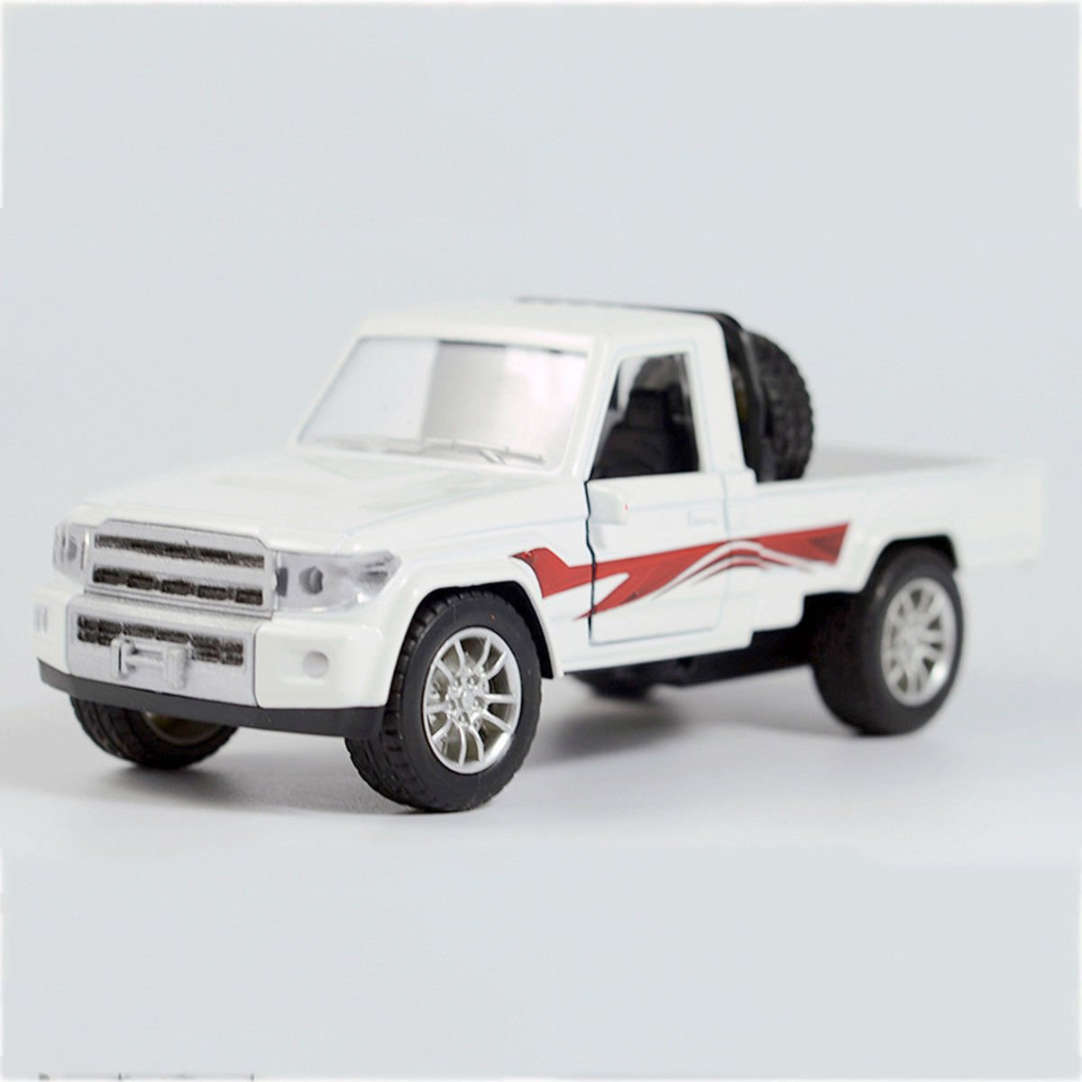 1:28 Military Force Pickup Off-road Vehicle Alloy Diecast Car Model Toy White