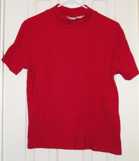Womens Like New RED SS Turtleneck Medium!