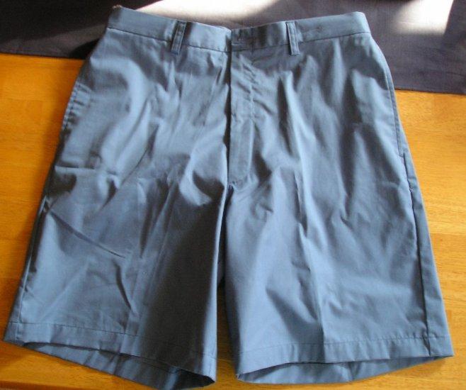 NEW Mens Haggar Shorts Blue 34 Waist Nice Summer Color!