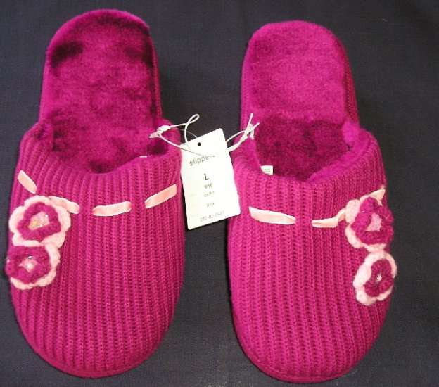 New Sweater Slippers HouseShoes Size Medium 7/8 PINK Color!