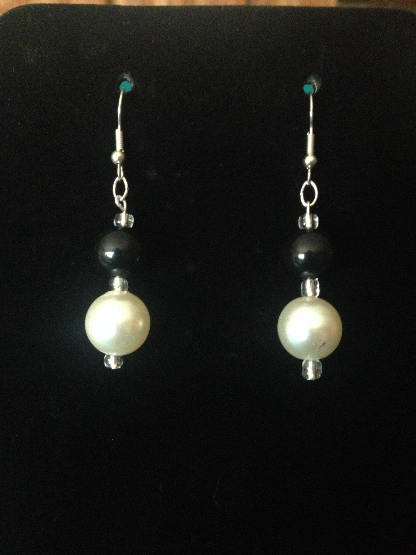 White and Black Pearl Earrings
