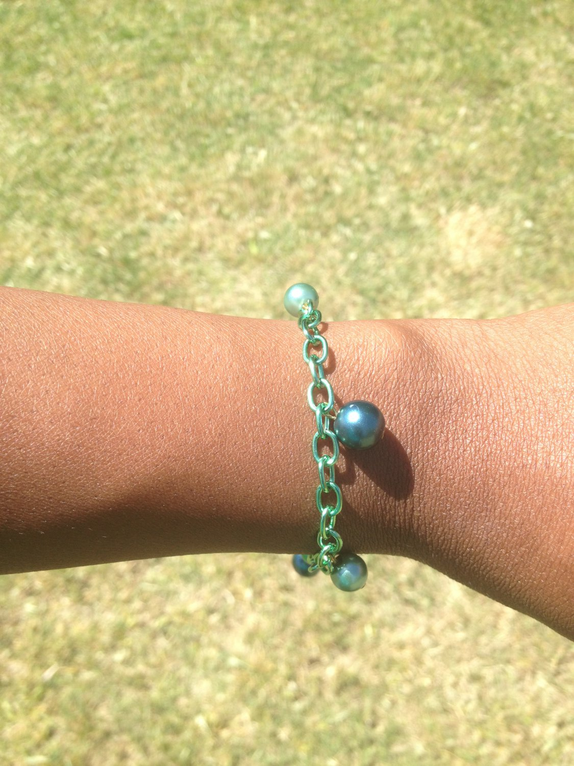 Green Chain Bracelet with Pearls