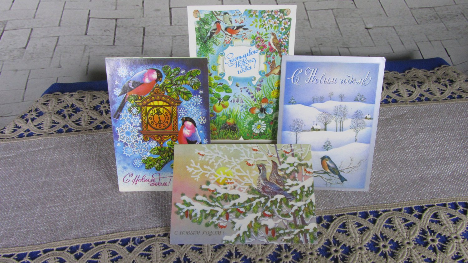 Set of Four Great and Cute Birds Pictures Sitting at branches with Cristmas Decor, New Never UnUsed