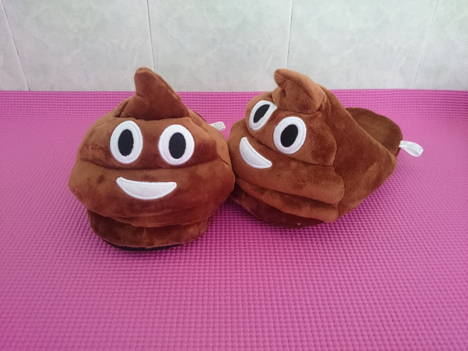 34-40 Yards Cartoon QQ emoji stool Home Slippers Plush Shoes Unisex Cosplay Shoes