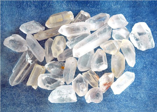 Clear quartz raw