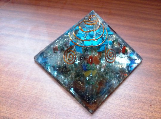 Turquoise Aura Orgonite Pyramid - High Aura orgone