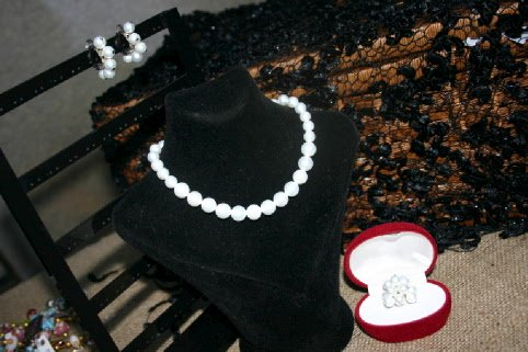 piece of jewelry with mayorka pearl