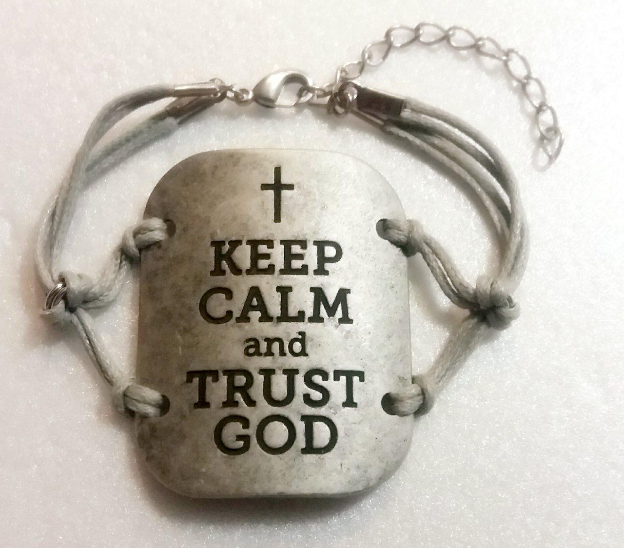 KEEP CALM AND TRUST GOD ADJUSTABLE HANDMADE BRACELET (GREY)