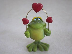 Russ Berrie Figurine / Ornament - Frog / Toad Valentine