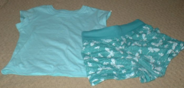 Sea green top and matching print shorts Size 4 5