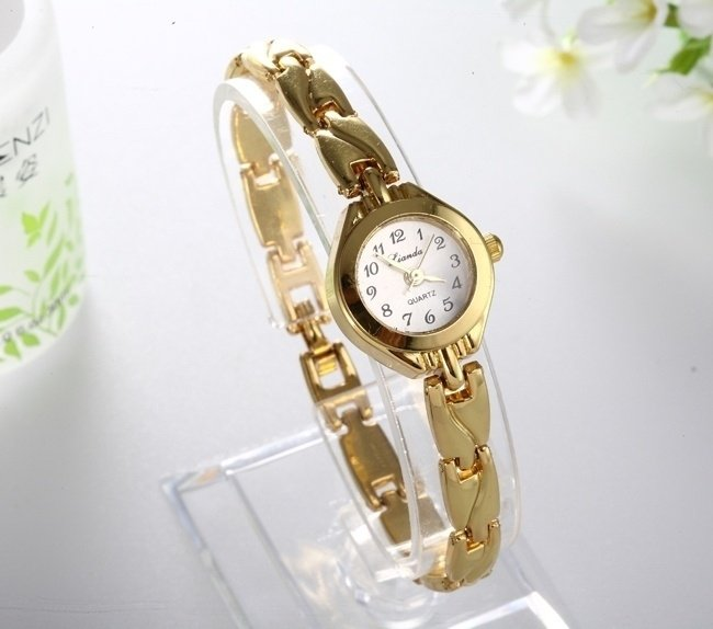 Women royal gold Dial watch carve stainless steel