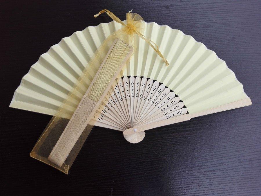 Free Shipping 20Pcs/Lot Plain Yellow Paper Hand Fans for Wedding 21cm with Organza Gift Bag