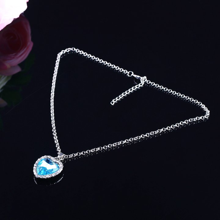 Fashion Charm Rhinestone Heart Shape Vintage Necklace Sky Blue Beautiful FE