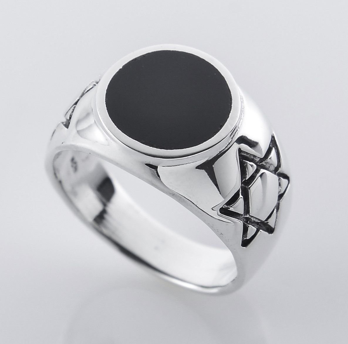 Solid sterling silver 925 David star unisex ring & Onyx size 14 Gift & Jewelry