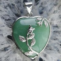 Fine Aventurine gemstone pendant + silver plated chain ! Gift Jewelry & Love