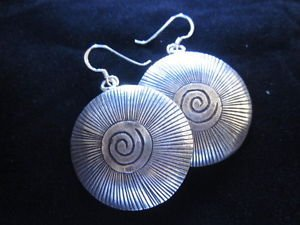 Fashion Fine silver earrings solid hill tribe with scratch and spiral center new
