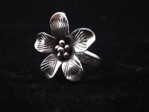 Fine Silver Rings THAILAND KAREN HILL TRIBE Vintage lady flower cute charms gift