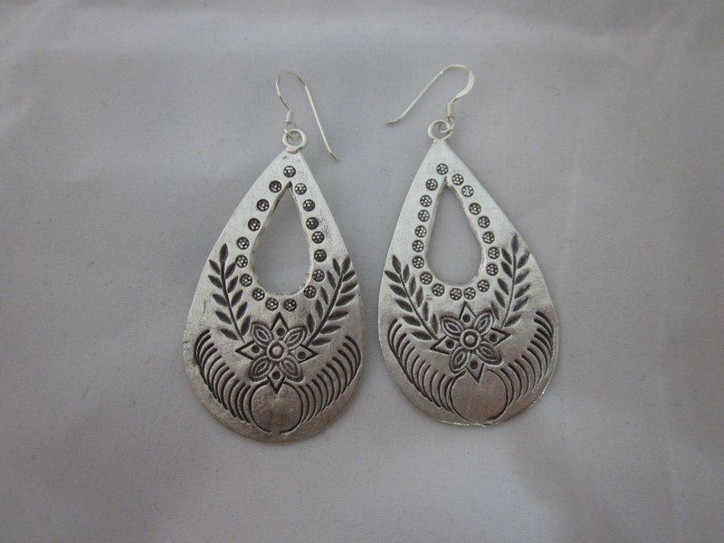 Fine Fashion Silver Earrings Hill Tribe Silber Schmuck Ohrringe خ�ر أ�راط. ER105