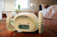 Aqua Nanda Clocky-Alarm Clock That Runs Away & Hides