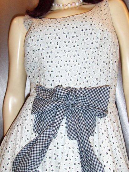 ROCKABILLY DREAM Fab 50s Frilly White Eyelet SWING KITTEN FULL CIRCLE SKIRT DRESS S.