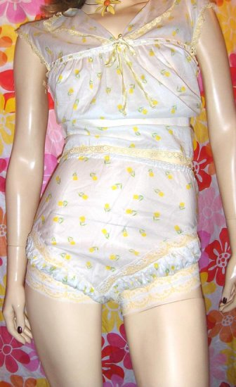 TIPTOE THROUGH THE TULIPS Rare 60s Frilly Babydoll Top & Panty Set M.
