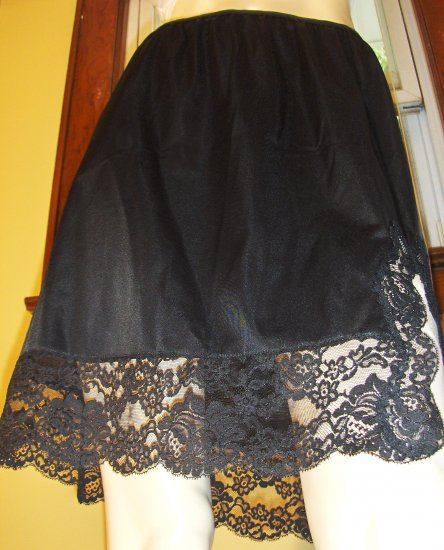 Vintage Vamp 60s VANITY FAIR Sexy Black Nylon Tricot Lace Hem Half Slip L