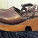 Boho Hippie 90s does 70s Funky Chunky Clunky Leather & Wood Platform Clogs MIA Sz 8