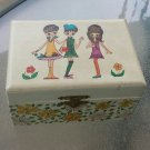 Vintage 60s MOD Girls Groovy Flower Power Musical Wind up Jewelry Box