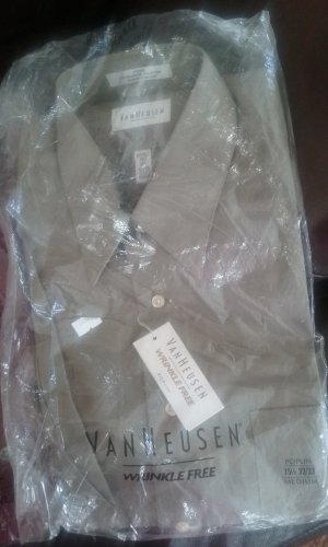 NWT 15.5-32/33 Van Heusen Poplin Mens Wrinkle Free Dress shirt. Mocha Chino/Olive Green