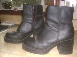 Women's Soho Black Winter Boots Size 81/2 ~NEW