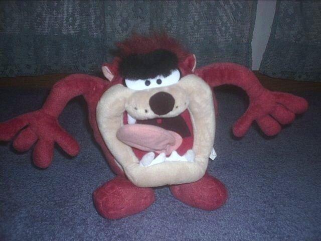 "Looney Tunes Tazmanian Devil 14"" plush"